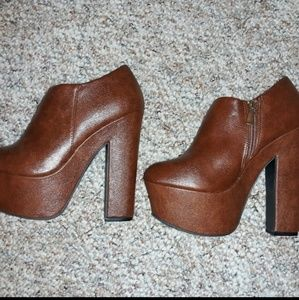 New, Brown zip up ankle boots